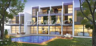3 bed Semi-detached Villa in Dubai