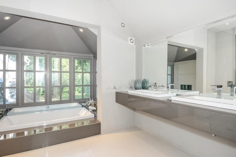 Bath - New