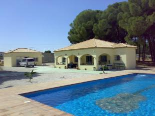 Marchena Detached Bungalow for sale