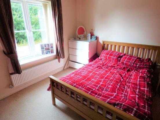 Bedroom / Dini...
