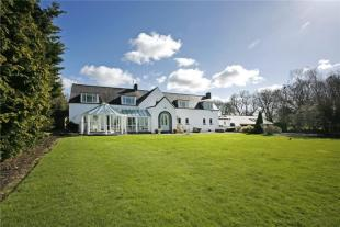 4 bedroom Detached house in Brookfield House...
