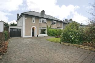 4 bedroom semi detached home for sale in Merebank...