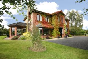 4 bedroom Detached property in Farmleigh...