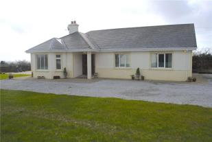 Detached Bungalow for sale in Cherry Tree View...