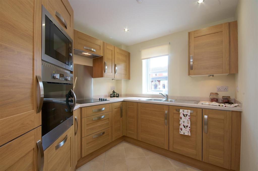 Kitchen new apt.jpg