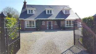 4 bed Bungalow in 3 Ashleigh Wood...