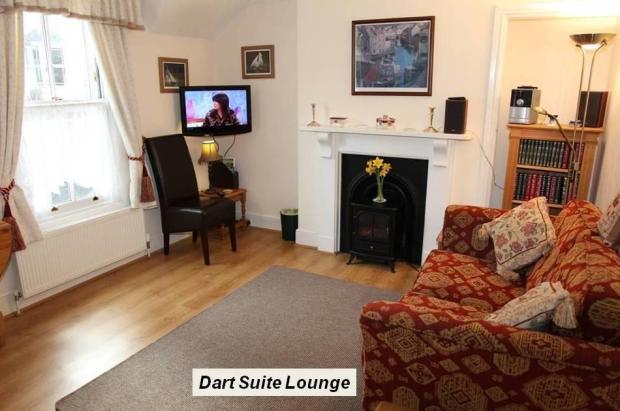 03 Dart Lounge.JPG