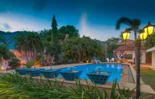 Detached Villa in Phuket, Rawai
