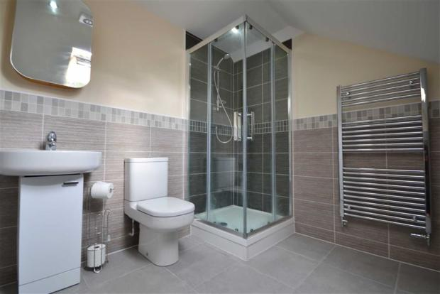 ENSUITE TO BEDROOM T