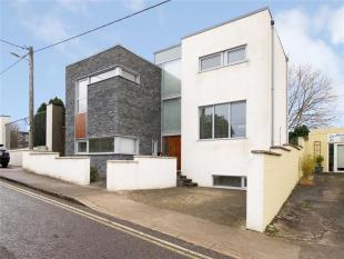 4 bed Detached house in Sandymount...