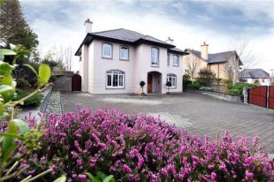 4 bed Detached house for sale in 14 Limeworth...