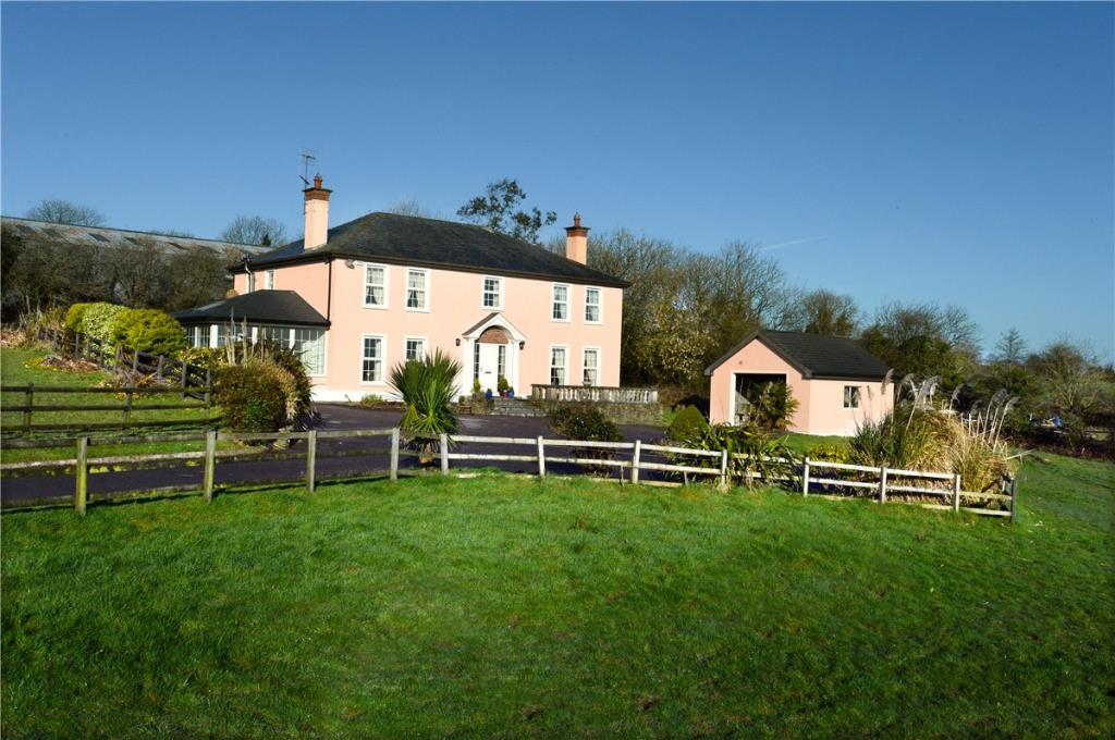 4 bed Detached house in Old Abbey, Waterfall...