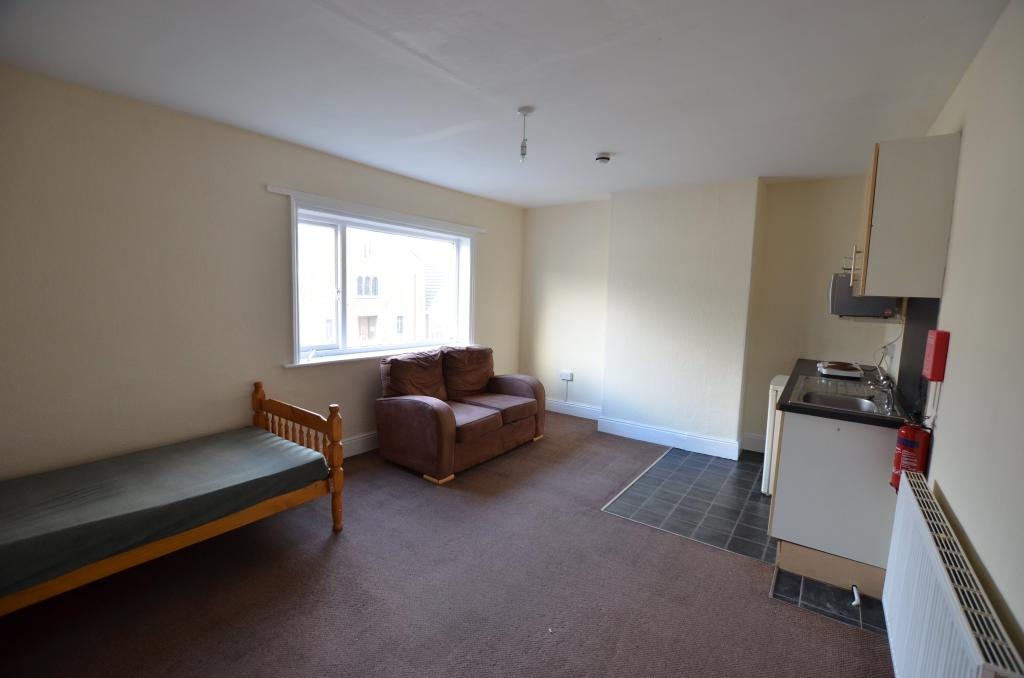Lounge/Bed/Kitchen A