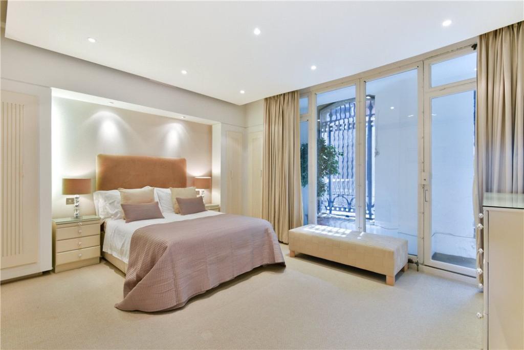 Se1:Bedroom