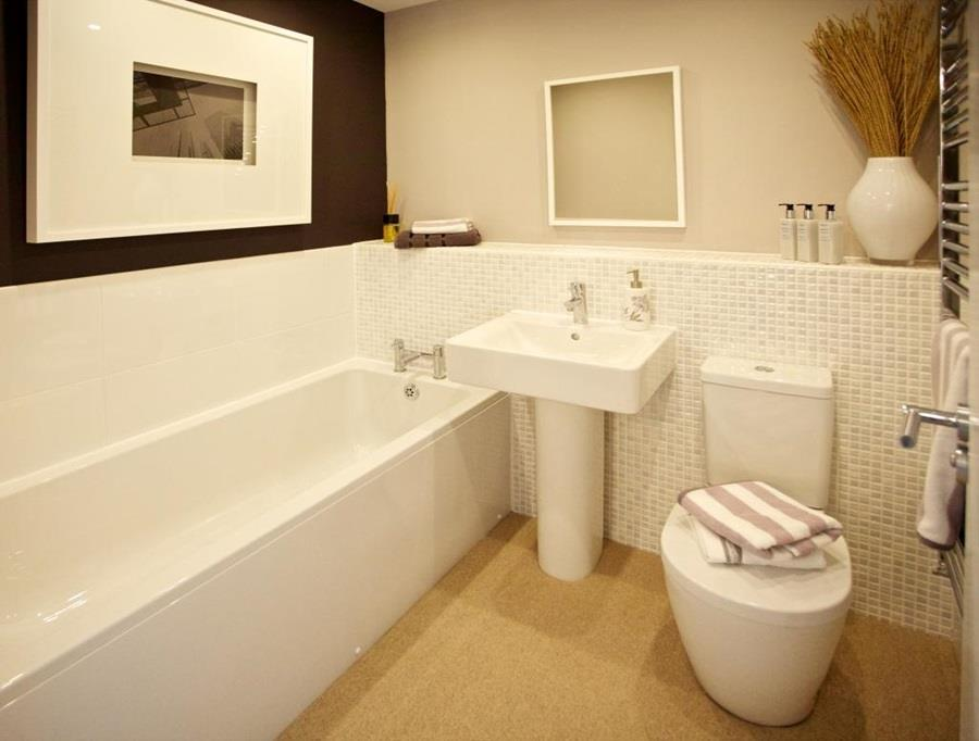 Rolland Bathroom 102