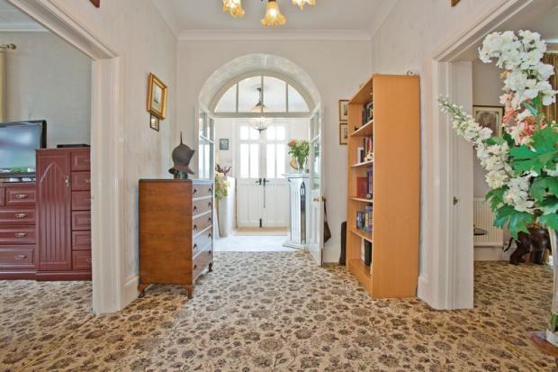 Hallway - Grou...