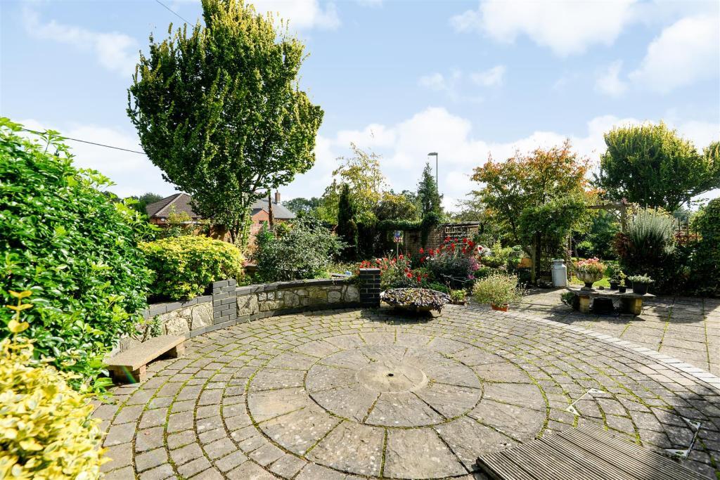 patio area 1.jpg