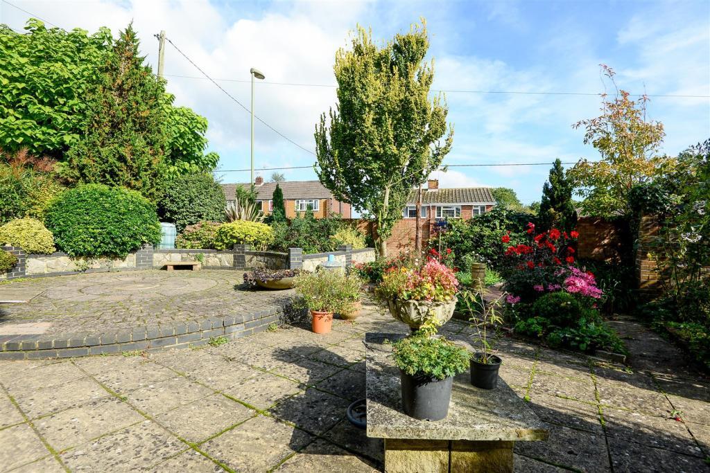 patio area 2.jpg