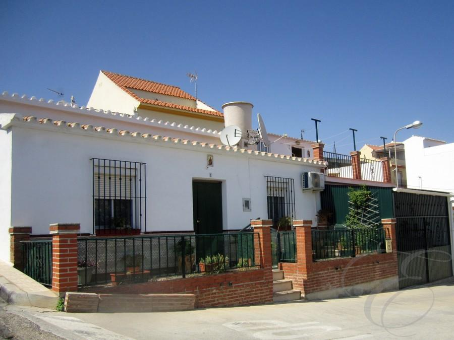3 bedroom Town House for sale in Almayate, Málaga