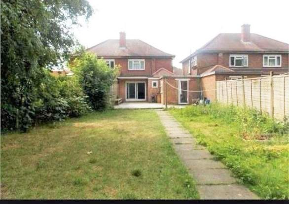 bedroom semi detached house to rent in frogmore gardens hayes ub4