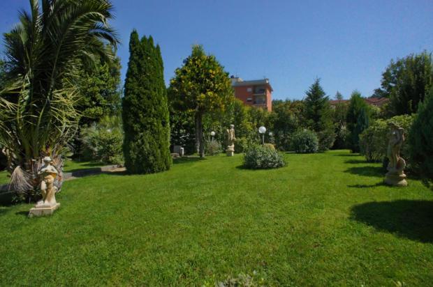 19 Garden
