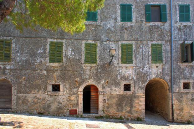 5 Palazzo Exterior