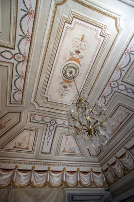 8 Ceiling Detail
