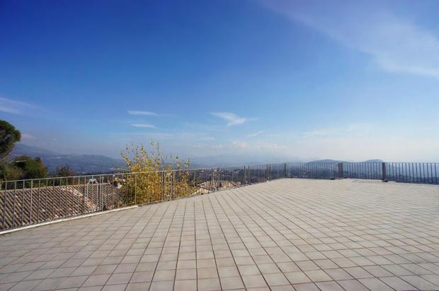 Terrace & vista