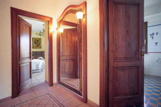 Upper bedroom floor