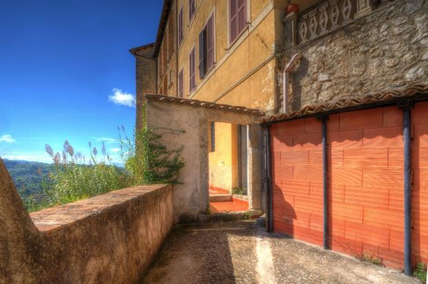 Lower terrace/cellar