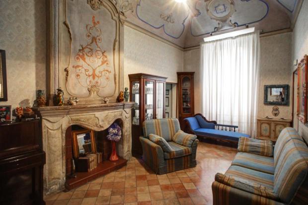 1. Sitting Room