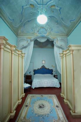 2a. Master bedroom