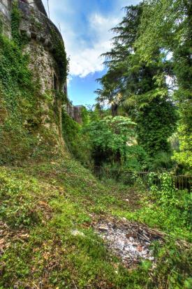 13. Castle Walls
