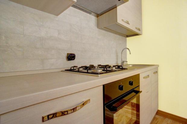 13 Kitchen Detail