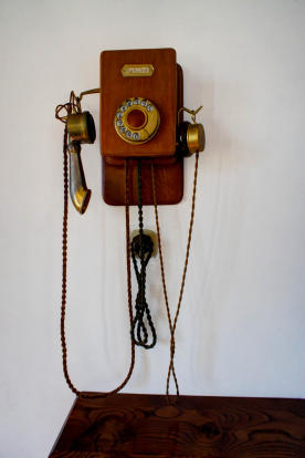 Antique-style phone