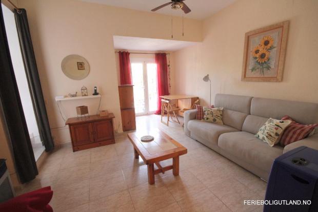 Living Area (2)