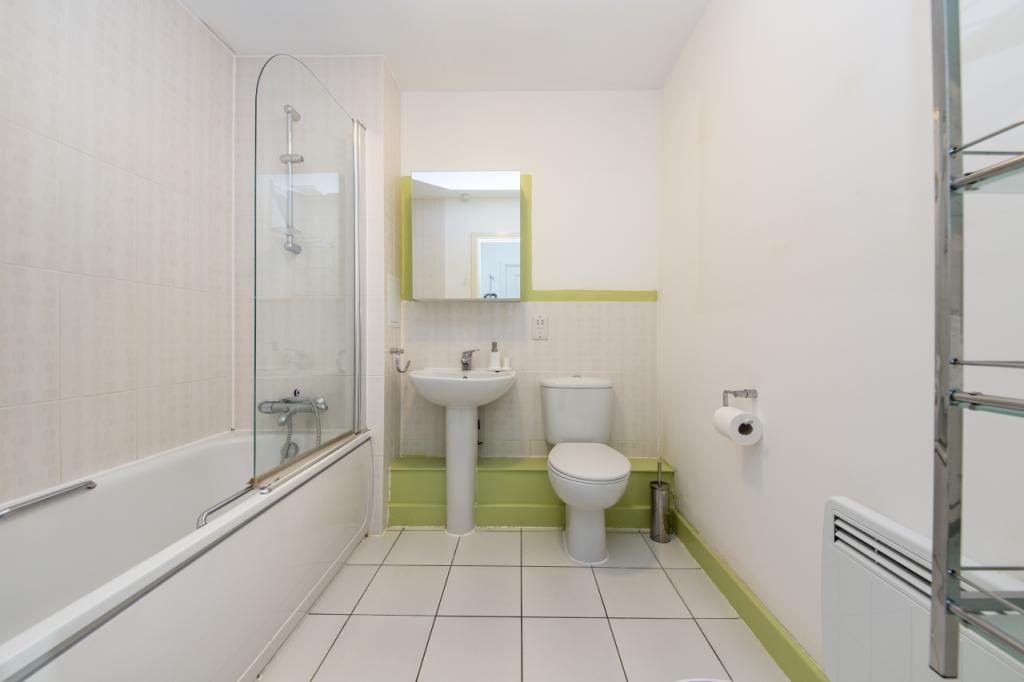 1_Bathroom