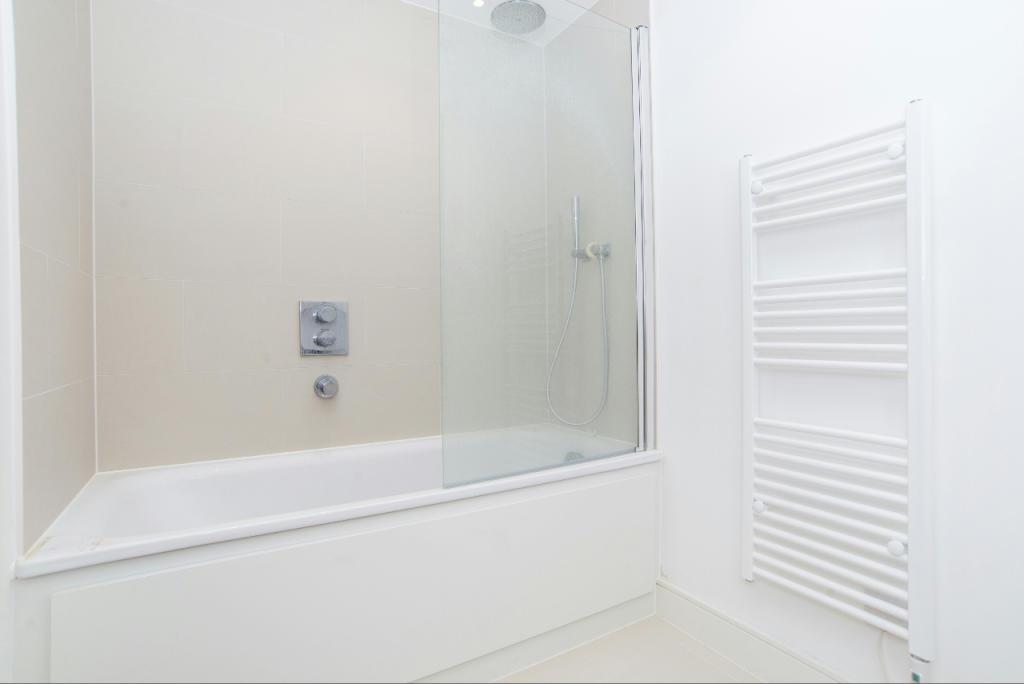 3_Bathroom (1)