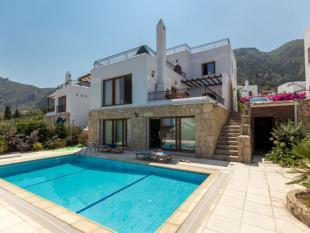 Villa for sale in Kyrenia, Kyrenia...