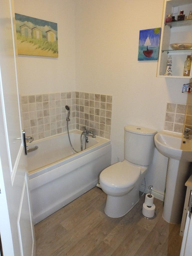 En-suite Bathroom WC