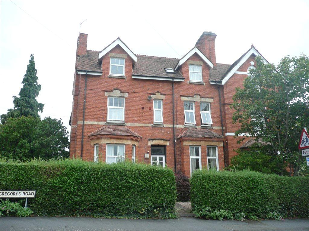 1 bedroom flat to rent in st gregorys road stratford