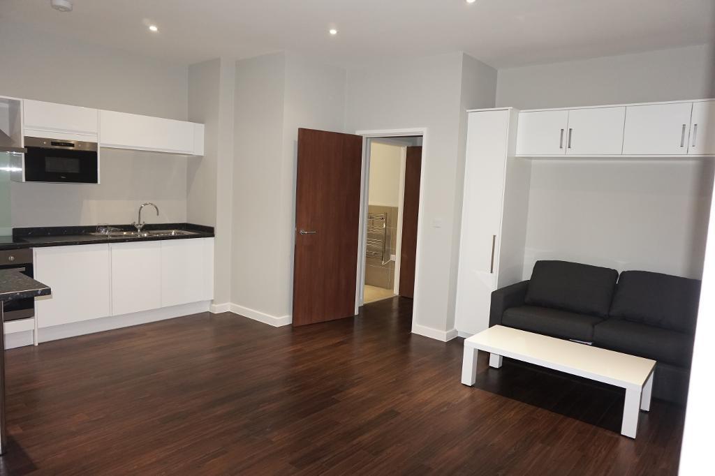 Photo 4  Studio flat for sale in Bath Road  Heathrow  London  UB3 5AY  UB3. Rooms To Rent Bath Road Heathrow. Home Design Ideas