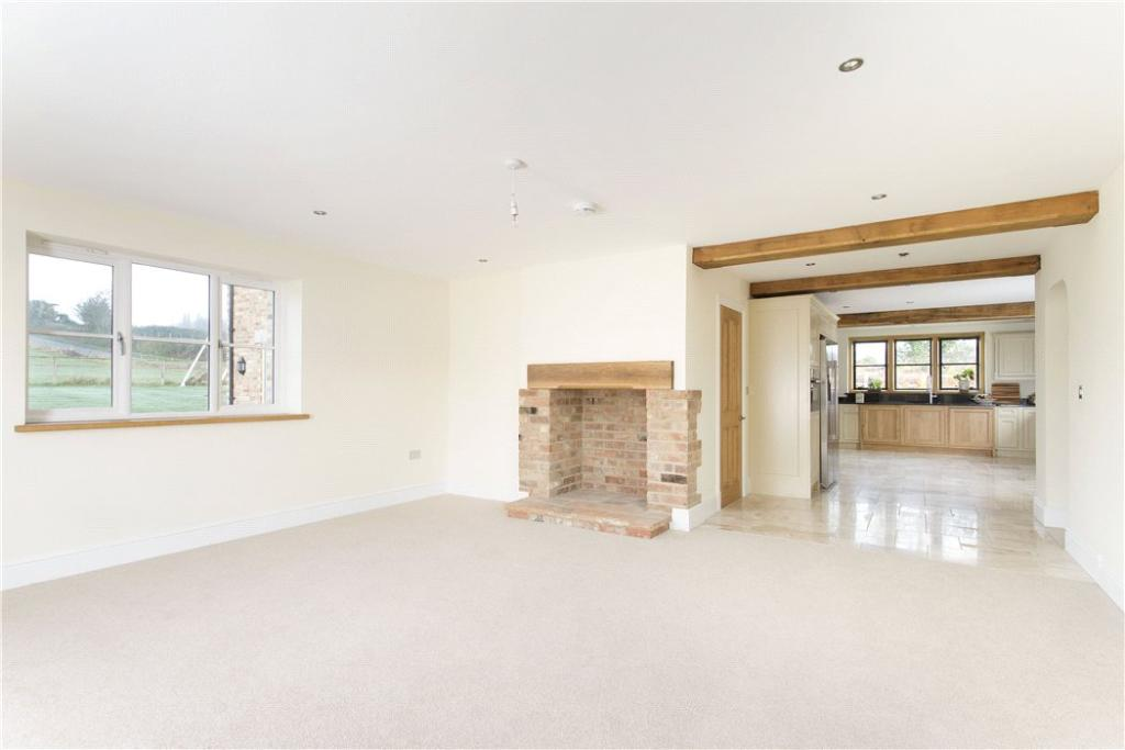 Property For Sale In Combrook Warwickshire