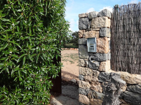 Door wich gives acces to the sea from the finca
