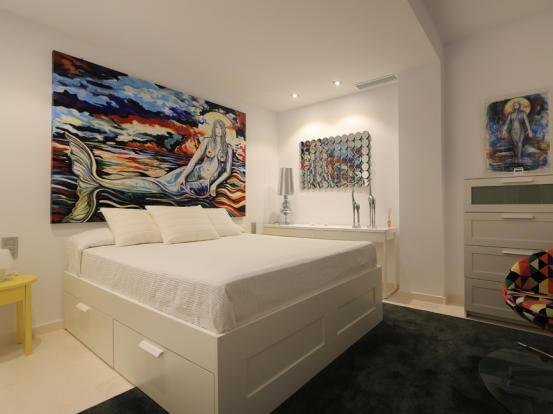 Bedroom on the lower floor