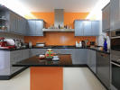 Fully equipped half-open kitchen