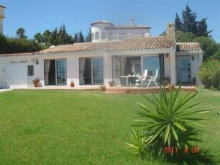 3 bed Detached Villa in Andalusia, Malaga...