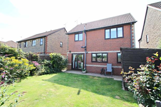 3 bedroom detached house for sale in birchwood gardens for Garden room braithwell