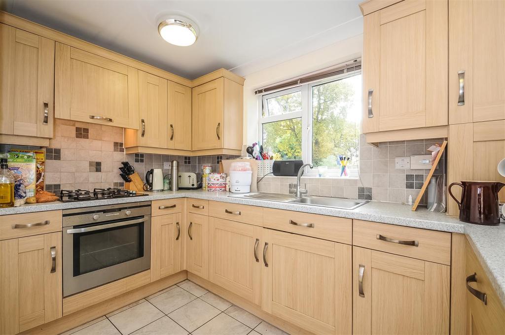 Kitchen/Dining/ Loun