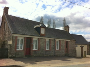 2 bedroom home for sale in Normandy, Calvados...